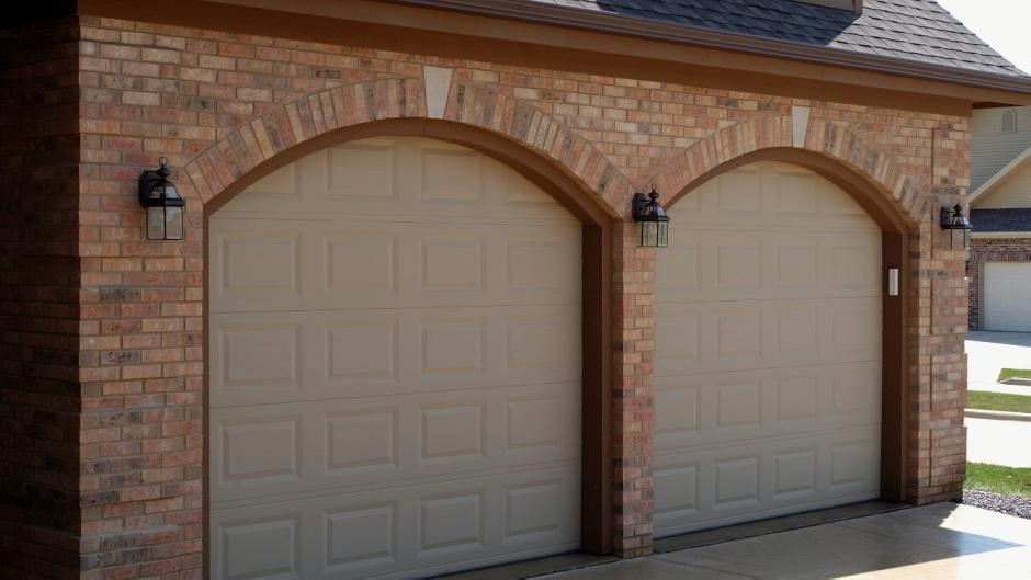 Traditional Style Garage Doors
